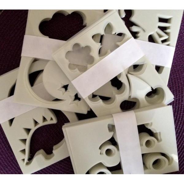 mercerie selection pochoirs pour tissus petite fille motif papillon oiseau. Black Bedroom Furniture Sets. Home Design Ideas
