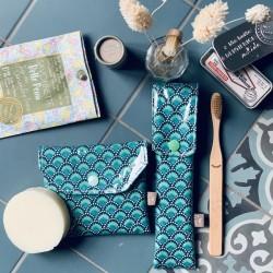 Duo pochettes à savon et brosse à dents éventails