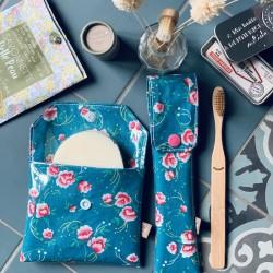 Duo pochettes à savon et brosse à dents fleurs