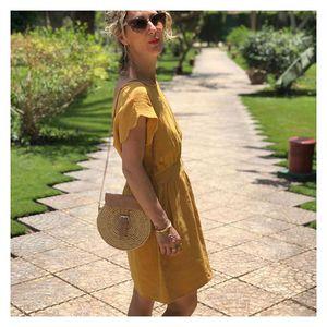//PETITE ROBE DE VACANCES// moutarde dans les jardins de Louxor... Robe et sac à retrouver en boutique . . . #sylvetteengoguette #tenuedujour #outfitinspiration #robe #moutarde #photooftheday #louxor #egypt #pausephoto
