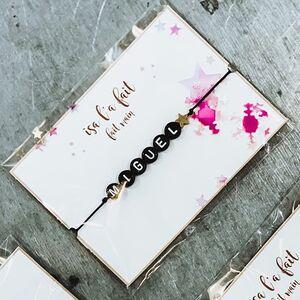 // UN BRACELET POUR PAPA// île n'est pas trop tard! Demain c'est noël..... avez vous prévu votre petit cadeau pour #papa #papy #tonton #parrain #frero⠀ ⠀ Le petit bracelet personnalisé avec un prénom.⠀ Chez #sylvetteengoguette ⠀ ⠀ C'EST MAINTENANT OU JAMAIS!⠀ RDV en boutique en MP ou sur le SITE⠀ www.sylvetteengoguette.com⠀ .⠀ .⠀ .⠀ .⠀ #bijouxcreateur #bijouxfemme #braceletprenom #bijouxhomme #bracelethomme #bijouxaddict ##miguel #cadeaupersonnalise #cadeauhomme #ideecadeaunoel #secretsanta #petitcreateur #createurfrancais #fabricationfrancaise @isalafait #conceptstores #clamart #sylvetteengoguette