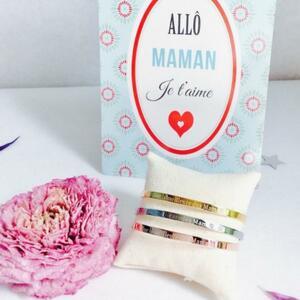 ❤️ Voici une jolie idée de cadeau sympa et à petit prix pour la fête des mères, en tout cas je sais que vous en êtes fan !🥰 Un bracelet jonc gravé d'un joli message pour votre maman.💫 Il est simple et raffiné mais porteur d'un grand amour ! En acier inoxydable, il ne rouillera pas sous la douche ! 👍🏼 A porter non stop 😉2 couleurs : - Or - Argent5 messages au choix : - Je suis une super maman - Maman plus que parfaite - Maman tu es la plus belle - Maman en or - Maman je t'aimeEt vous, quel message choisiriez vous pour votre maman ?🤔🛍 Disponible sur le site. Foncez !#ConceptStore #ConceptStoreParis #CommerceLocal #CommerceDeProximité #BoutiqueEnLigne #BoutiqueDeCreateurs #CreateursFrancais #Paris #RégionParisienne #Clamart #fêtedesmères #maman #Bijoux #BijouxFantaisie #Bijou #Collier #Accessoires